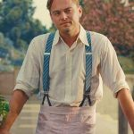 Leonardo diCaprio usando tirantes